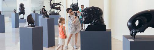 Выставка «Искусство Даши Намдакова» продлена до 10 ноября!