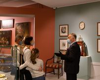 Приглашаем посетителей на экскурсии по выставке «Возвращение в усадьбу»!