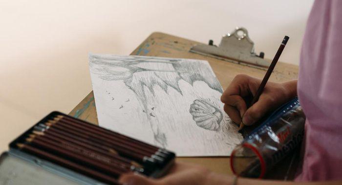 На выставке «Скрытые пространства» прошло занятие ДШИ «Вдохновение» в рамках летней практики